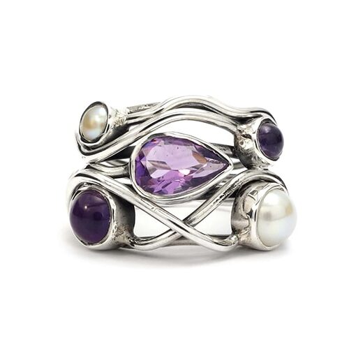 Amethyst-and-pearl-silver-ring